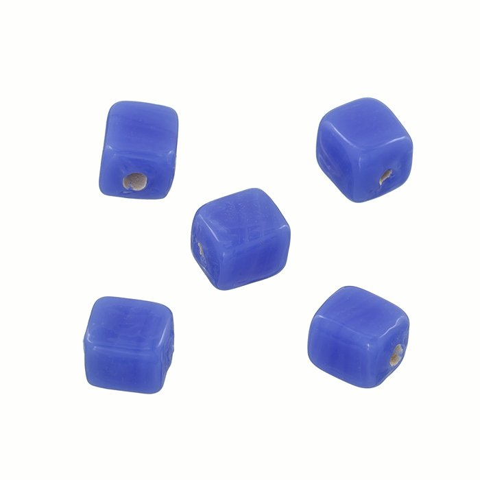 Q102//6 Handmade 8mm Cube Glass Beads Shiny Opaque Red PAck of 10
